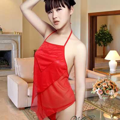 中式古典内衣,红肚兜,妩媚肚兜风情,时尚前卫潮流趋势。